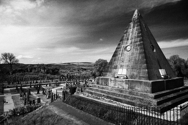 The Star Pyramid Near Valley Cemetery Stirling Scotland Uk Print by Joe Fox