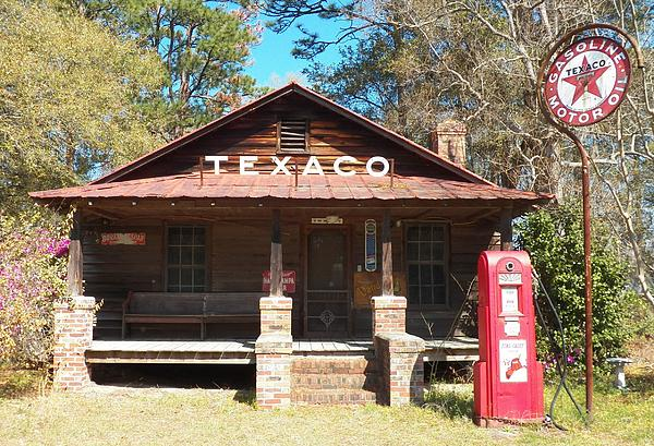 Melanie Snipes - This Old Texaco Station