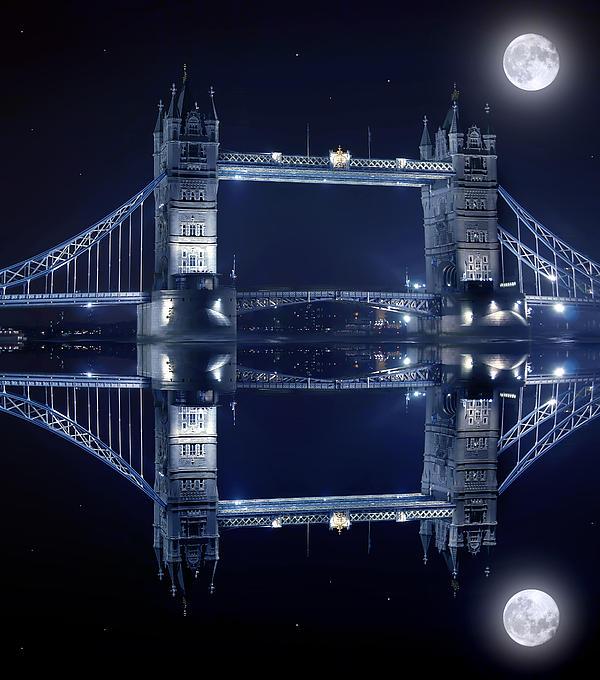 Tower Bridge In London By Night  Print by Jaroslaw Grudzinski
