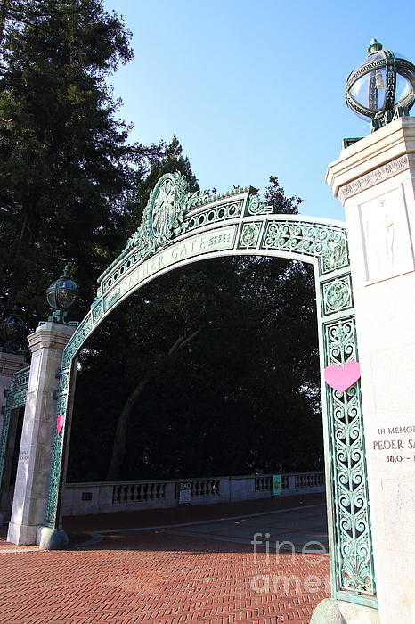 Uc Berkeley . Sproul Plaza . Sather Gate . 7d10035 Print by Wingsdomain Art and Photography