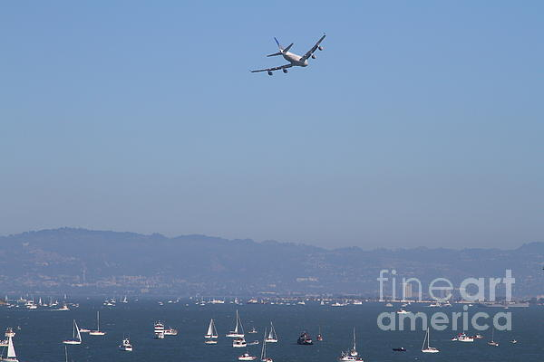 United Airlines Boeing 747 Over The San Francisco Bay At Fleet Week . 7d7860 Print by Wingsdomain Art and Photography