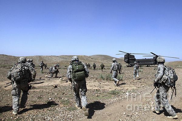 U.s. Army Soldiers Run Back Print by Stocktrek Images