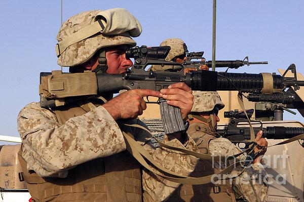 U.s. Marines Sighting Print by Stocktrek Images