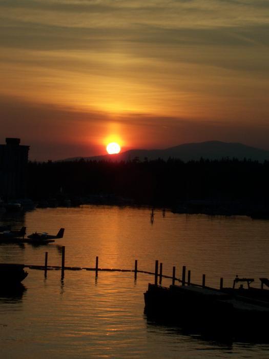 Helga Oliveira - Vancouver Sunset