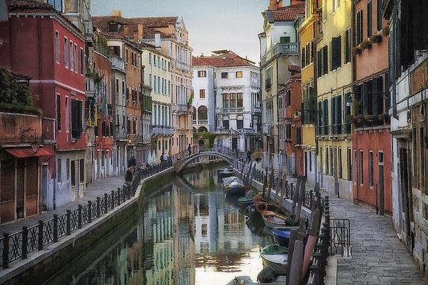 Daniel Sands - Venice Back Streets