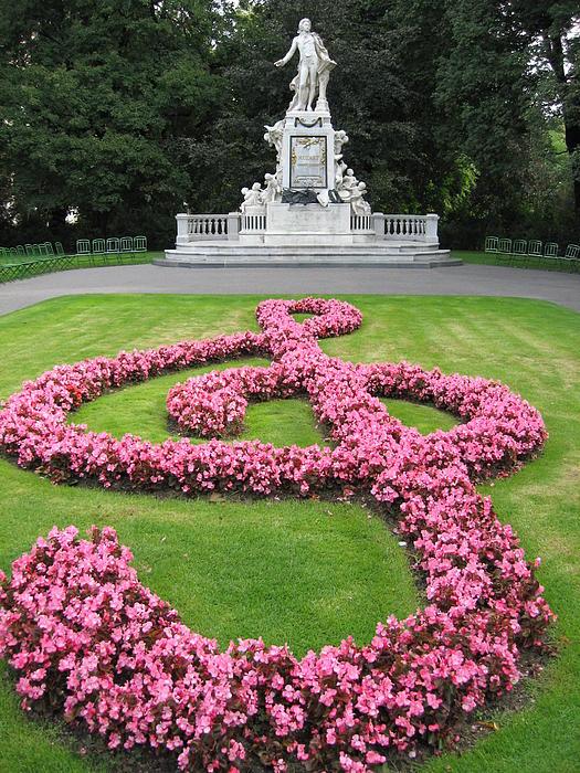 Yianni Foufas - Vienna flower garden with Mozart