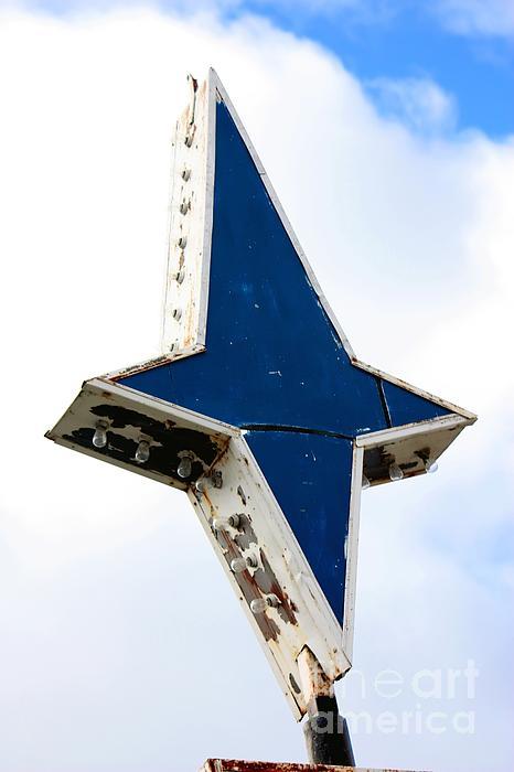 Sophie Vigneault - Vintage Star Sign