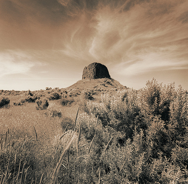 Volcanic Peak, Central Oregon, Usa Print by Mel Curtis