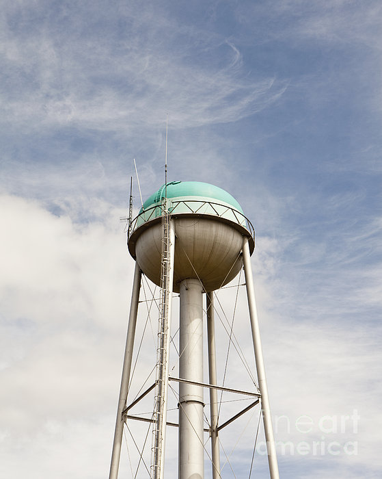 Water Tower With A Cellphone Transmitter Print by Paul Edmondson