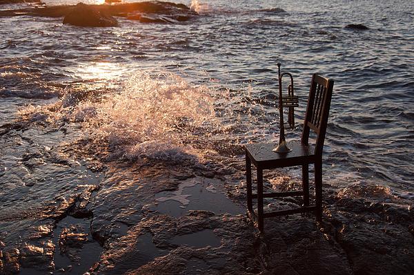 Wave Splash 2 Print by Ron Smith