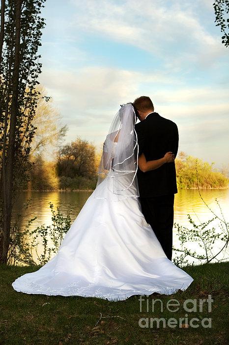 Wedding Couple Print by Cindy Singleton