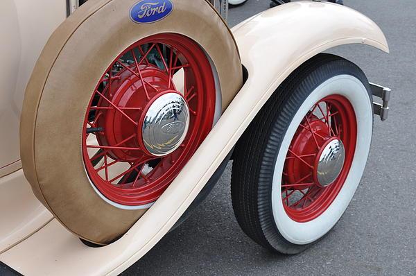 Wheels Print by Lynn Bawden