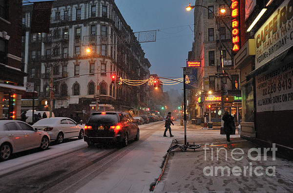 Winter Night On Mulberry Street Print by Ed Rooney