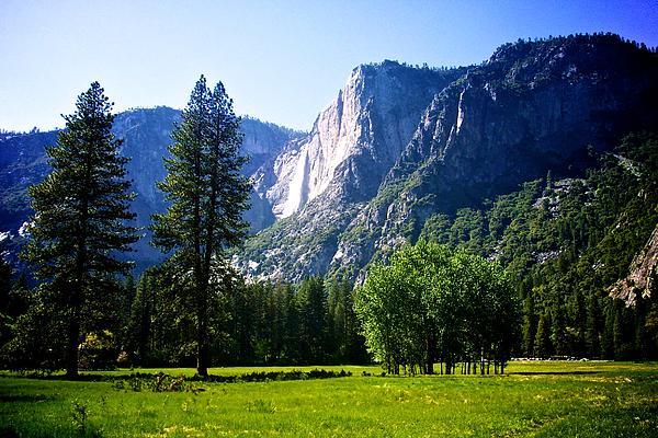 Eric Tressler - Yosemite Falls from the Ahwahnee