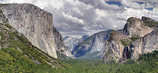 Pierre Leclerc - Yosemite Valley from tunnel viewpoint