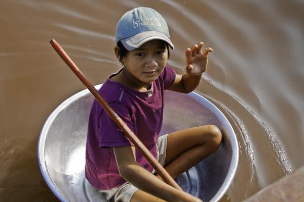 Young Boy Tonie Sap Lake Cambodia Photograph - Young Boy Tonie Sap Lake ...