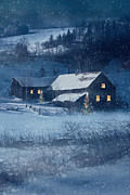 Sandra Cunningham -  Winter snow scene of a farmhouse at night