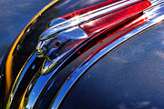 Car Mascot Digital Art Metal Prints - 1948 Pontiac Silver Streak Hood Ornament Metal Print by Gordon Dean II