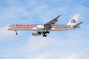 American Airlines Framed Prints - Amercian Airlines Boeing 757 Airplane Landing Framed Print by Paul Velgos