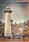 Sandra Lynn - Biloxi Lighthouse