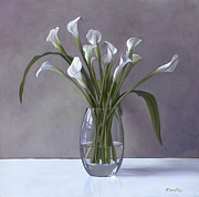 Calla Lily Paintings - Calla Lilies in a vase by Linda Tenukas