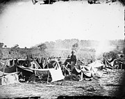 Confederate Hospital Photo Prints - Civil War: Wounded, 1862 Print by Granger