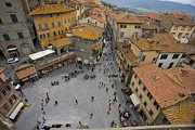 Catwalk Prints - Cortona Piazza 2 Print by Al Hurley