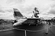 Manhatan Prints - fisheye shot of Grumman F14 on the flight deck of the USS Intrepid  Print by Joe Fox