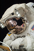 Iss Expedition 38 Spacewalk Print by Science Source