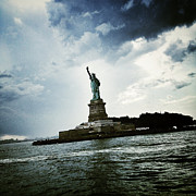 Nyc Digital Art - Lady Liberty by Natasha Marco