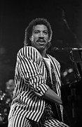 Variety Photos Posters - Lionel Richie Poster by Front Row  Photographs