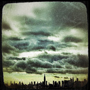 Nyc Digital Art Metal Prints - Manhattan Viewfinder Metal Print by Natasha Marco