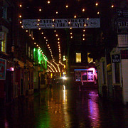 Tony Hoy - Mathew Street in the rain