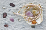 Aleksandr Volkov - Necklace from pink pearls