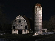 Lewis Mengersen - Night Barn