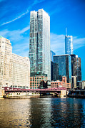 Downtown Franklin Photo Prints - Picture of Chicago River Skyline at Franklin Bridge Print by Paul Velgos