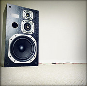 Stereo Prints - Speaker Print by Les Cunliffe