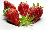 Lebensmittel Prints - Strawberry Print by   Bullysoft