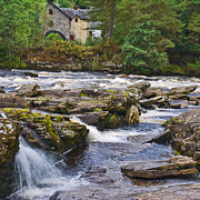 Jane McIlroy - The Falls of Dochart Scotland
