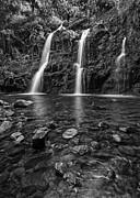 Jamie Pham - The stunningly beautiful Upper Waikani Falls or Three Bears foun