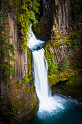 Umpqua River Prints - Toketee Falls Print by Inge Johnsson