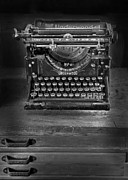 Typewriter Photos - Underwood Typewriter by Dave Mills