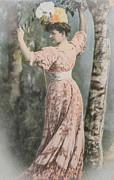 Patricia Hofmeester - Victorian lady in beautiful dress