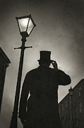 Behind The Scene Art - Victorian Man With Top Hat Under A Gas Lamp by Lee Avison