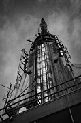 Manhatten Framed Prints - View Of The Top Of The Empire State Building Radio Mast New York City Framed Print by Joe Fox