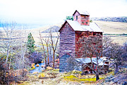 Old Mills Framed Prints - Vintage Barn Framed Print by Steve McKinzie