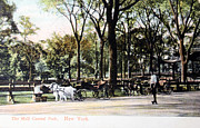 Patricia Hofmeester - Vintage postcard of people in Central park in 1905