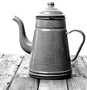 Pour Digital Art - Vintage teapot  by Jennifer Goodrich