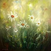 Gina Gray Paintings - White Daisies by Gina De Gorna