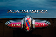 Old Car Posters - 1939 Buick Eight Roadmaster Emblem Poster by Jill Reger